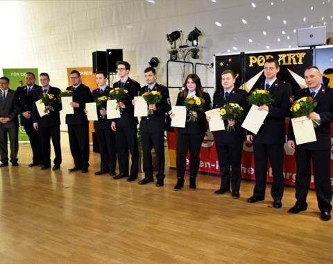Beförderung zum Feuerwehrmann, Feuerwehrfrau (Mittel)